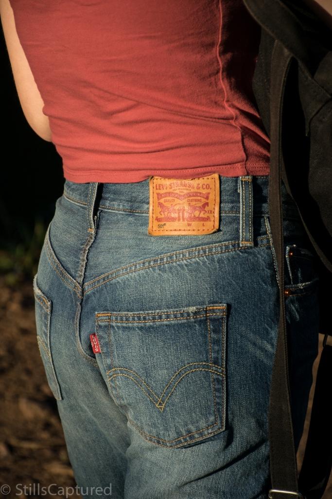 high-waisted Levi's Jeans boyfriend style