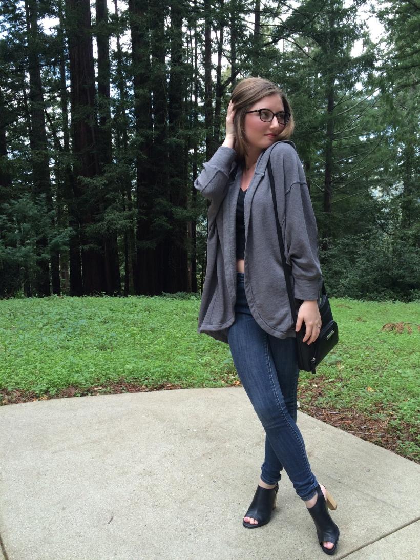 Abercrombie sweater, Levi's jeans, modo glasses