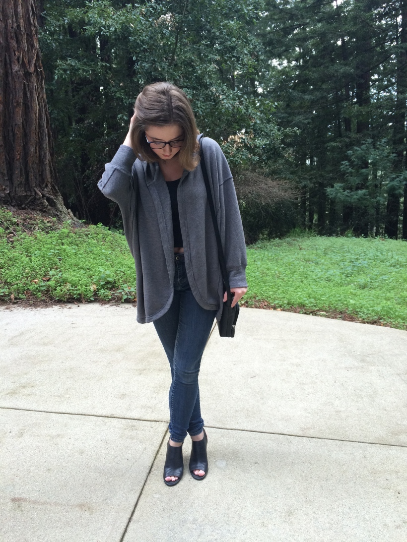 Oversized sweater, skinny jeans, glasses