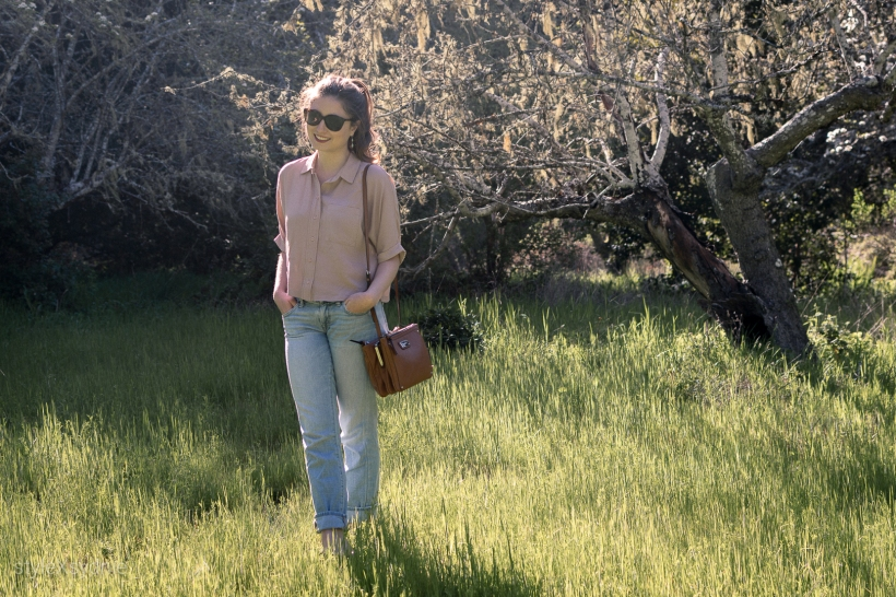 boyfriend jeans, topshop button down, heeled sandals, nature, spring